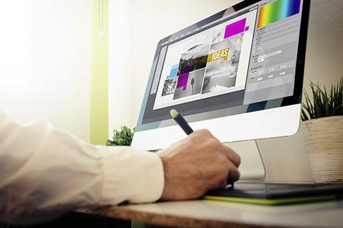 designer-designing-a-layout